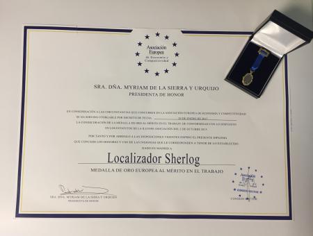 Medalla de Oro y Diploma